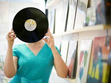 Precis Petite with record